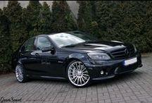 REALIZACJA: MERCEDES-BENZ C 63 AMG / Choć ma już spory staż na rynku, Mercedes C 63 AMG (W204) nadal uważany jest za jedno z najlepszych dzieł, jakie stworzył dział AMG. Potężny, ponad 6 litrowy silnik V8 w małym sedanie dostarcza niesamowitych wrażeń. My podjęliśmy się małego udoskonalenia ikony.  Więcej informacji przeczytacie na naszym blogu: http://gransport.pl/blog/realizacja-mercedes-benz-63-amg/  GranSport - Luxury Tuning & Concierge