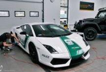 ZA KULISAMI: LAMBORGHINI GALLARDO DUBAI POLICE / Popularność projektu GranSport - Luxury Tuning & Concierge i CatRed Color Change przygotowanego specjalnie z myślą o zakończonym już Motor Show przerosła nasze oczekiwania! Z tego powodu zdecydowaliśmy się pokazać Wam jak wyglądał proces tworzenia Dubai Police – który odbył się w całości przy Granicznej 61 w Przeźmierowie!  Więcej informacji: http://gransport.pl/blog/za-kulisami-lamborghini-gallardo-dubai-police/