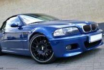 REALIZACJA: BMW M3 CABRIO (E46) REMUS + BBS / Tym razem do naszego serwisu trafiło perfekcyjnie utrzymane BMW M3 (E46) w wersji Cabriolet. Niebieska Mka to już powoli auto kultowe, stąd zmiany które zaszły miały na celu jedynie delikatnie podkreślić jej charakter. Zdecydowaliśmy się więc na montaż układu wydechowego Remus Polska oraz felg BBS.  Więcej informacji na naszym blogu: http://gransport.pl/blog/realizacja-bmw-m3-cabrio-e46-remusbbs/  GranSport - Luxury Tuning & Concierge http://gransport.pl/index.php/