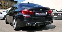 REALIZACJA: BMW 528IX F10 REMUS / Czy elegancka limuzyna może wyglądać i brzmieć ze sportowym zacięciem? Oczywiście że tak! Świetnym przykładem jest BMW 528ix (F10) które trafiło do naszego serwisu w celu montażu kompletnego układu wydechowego oraz dyfuzora z włókna węglowego.  Więcej informacji na naszym blogu: http://gransport.pl/blog/realizacja-bmw-528ix-f10-remus/  Oficjalny Dealer Remus Polska GranSport - Luxury Tuning & Concierge http://gransport.pl/index.php/