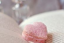 Valentine's Day / Sweet gift, lovely decor, and hearts, hearts... ♥