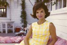 Jackie Kennedy / Un modèle de classe et de dignité absolues / by Pauline MAZIN