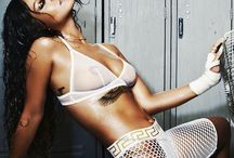 R I R I / I love Rihanna's sassy style her badass attitude and hot bod, too much to handle #die