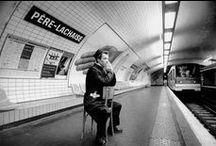Janol Apin / Les noms des stations de Métro pris au pied de la lettre par le photographe Janol Apin (1995-2005).
