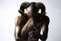 Statues, statuettes, poupées... / by Viviane Lutun Noz