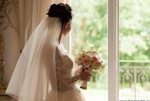 Свадьба в Чехии замок Шато Мцелы / Свадьба в Чехии Малики и Александра стала настоящим украшением моего творческого портфолио. Эта съемка, которая состоялась в августе 2014 года в Шато Мцелы, запомнится мне на всю жизнь. За день я увидел все: любовь и слезы, солнце и ливень, романтику и неудержное веселье. Свадьба была четко спланирована, собраны самые лучшие специалисты из разных уголков не только Чехии, но других стран, чтобы вместе создать этот удивительный по своей красоте праздник.