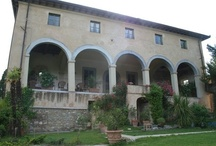 Lucca Tuscany villa Arsina / Historic villa in the green hills ofCappellaa few kilometers from Lucca. The building wasfully renovatedwith great skill enhancing the details of the ancient structures. A magnificent residence or a luxury hotel. In the Villa there is an activity forrental accommodation managedby the owners. https://sites.google.com/site/historicvillacappellasale/home
