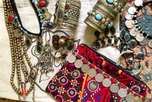 Accessories / by Salwa Nahal