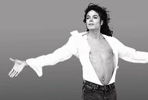 Poemas dos fãs de Michael Jackson / Michael disse Tenho os melhores fãs do mundo  E hoje de uma forma ou outra queremos expressar o que sentimos por ele ,agradecer a sua obra ,arte, dança e legado da sua existência que permanecerá viva por muitas gerações .God Bless Michael Thank you so much