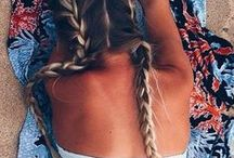 B E A C H ~ B R A I D S / Braids at the beach are the perfect alternative to beachy waves, and just as stunning if you ask us!
