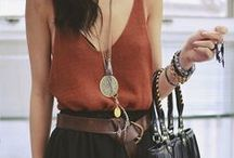 malindkate Outfit Inspiration / I love cosy, every-day, bohemian outfits that stick out with their small details but can be worn to nearly every occasion like a walk at the beach, a music festival but also to a casual dinner with friends.