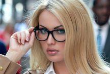 GLASSES / Sunglasses and glasses for women