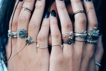 a c c e s s o r i e s / Rings, ear piercings, watches and jewelry!