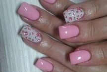Nail Addict / The ultimate destin for pamperin ur nails with brilliant ideas.