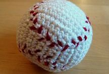 World Series Knitting/Crochet Projects / Are you excited for the World Series? Here are some great project ideas!