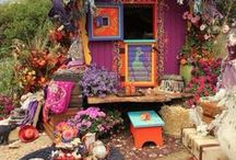 Gypsy Caravan / Wonderful gypsy caravans and their colorful, boehmian interior AND exterior decorations!