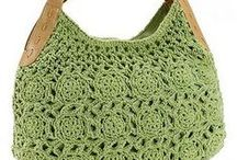 CROCHET sacs / by Chantal Laroche