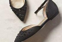 Zapatos planos / Flat shoes / Zapatos con muy poco o sin tacón.