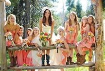 Just Peachy Weddings / All the dreamy ideas for a peach themed wedding #peachwedding