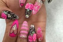 NAILS / by Shop Jeen