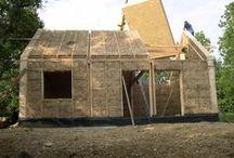 DOM ZE SŁOMY, gliny i drewna / nowoczesna STODOŁA / Glina, słoma i drewno to bodajże najkorzystniejsze rozwiązania zastępujące konwencjonalne materiały budowlane.