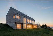 Harbour Heights / Omar Gandhi / nowoczesna STODOŁA / Minimalistyczny dom o nazwie Harbour Heights leży na szczycie wzgórza w sąsiedztwie przystani Inverness  i MacIsaac's Pond.