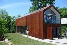 Sustainable Residence / Studio 804 / nowoczesna STODOŁA / Ten nowoczesny dom, w pełni ekologiczny, znajduje się w mieście Kansas w USA i radzi sobie bez niektórych podłączeń do sieci w miejscu, które desperacko potrzebuje rewitalizacji.