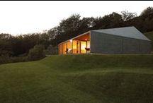 Montebar Villa / JMA / nowoczesna STODOŁA / Willa Montebar, wykonana z prefabrykowanych materiałów drewnianych, powstała w miejscu, które zapewnia panoramiczne widoki na szwajcarskie Alpy i cieszy się światłem słonecznym przez wszystkie cztery pory roku.