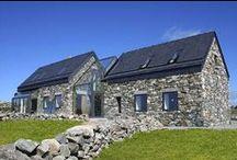 Cottage Follan / Studio Peter Legge Associates / nowoczesna STODOŁA / Cottage Follan to rekonstrukcja opuszczonych domków na wybrzeżu Morza Irlandzkiego.