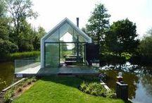 Island House / 2by4-architects / nowoczesna STODOŁA / Ten niewielki domek ukryty jest na wyspie na jeziorze Loosdrecht w Holandii.
