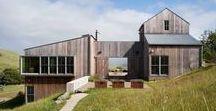 West Marin Ranch / Turnbull Griffin Haesloop / nowoczesna STODOŁA / Ten zrównoważony projekt domu w Kalifornii (the West Marin Ranch) w pewien sposób nawiązuje do czasów drewnianych wozów taborowych i prerii, kiedy jeszcze Zachód był pełen nieodkrytych przestrzeni