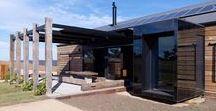 The Hill Plain House / Wolveridge Architects / nowoczesna STODOŁA / Ten projekt charakteryzują przede wszystkim jego proste linie. Opiera się on na zabudowaniach rolniczych i ma integrować budynek z jego otoczeniem.