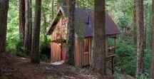 Owl Tree Cabin / nowoczesna STODOŁA / Wyglądając przez okno lub siedząc na tarasie tego małego domku można bez problemu poczuć się jak w domku na drzewie.