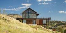 Renee del Gaudio / Sunshine Canyon House / nowoczesna STODOŁA / Dom o nazwie Sunshine Canyon House został zaprojektowany dla czteroosobowej rodziny i stoi na stromym, górskim zboczu skalistego kanionu w amerykańskim stanie Kolorado.