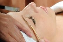 Chic Ladies Waxing / Try waxing so that your look is super smooth!