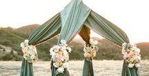 Weddings, Emerald Green Romance / Rich greens and romantic neutrals make me go Ooooo