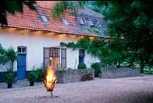 ...una casa così / un letto in veranda, un camino in bagno....