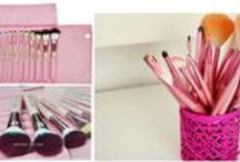 Makeup Brushes  / Here is a collection of our Wholesale Make Up brushes. Browse the collection for the best make up brushes along with related accessories. We also have the brush-holder bags that roll up to compact size for easy carriage.