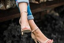 Hohe Schuhe - High Heels, Pumps & Co. / Hohe Schuhe mit Absatz sind immer Trend. Hohe Schuhe sind perfekt für Petites. Absatzschuhe, High Heels und Pumps