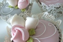 Cupcakes / by Lael Wagner