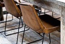 Banken, stoelen en tafels