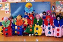 Disfraces con bolsas de basura de multipapel.com / Reunimos ideas y disfraces hechos con bolsas de carnaval que puedes comprar en multipapel. En MULTIPAPEL enviamos a toda España bolsas en 16 colores diferentes de bolsas de disfraces : oro, plata, negro, gris claro, azul oscuro, verde oscuro, marrón chocolate, azul cyan, verde, violeta o morado, magenta o fucsia, rosa, rojo, blanco, naranja y amarillo. Tenemos bolsas de infantil 45x60 de 7 colores http://www.multipapel.com/subfamilia-bolsas-disfraces-educacion-infantil-pequenas.htm  / by multipapel HIPERPAPELERIA