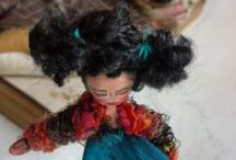 Annaslittlepeople / Pindolls.  total size 6cm. Dolls dressed with real cloths ,  you can use as jewellery!.