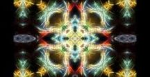 MP4 Kaleidoscope & other Motion Graphics Video Clips for sale: quality & cheap / Enjoy looking at these beautiful motion graphics! Purchase clips and use it for your own creations, podcast backgrounds, house parties, etc. Prices as low as $2.50 per clip! The majority of clips are in High Definition.