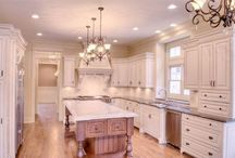 Riordan Signature Home-Kitchen / Our custom dreams homes.