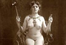 Vintage Nudes / Vintage Nudes