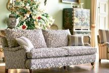 classic living / Beautiful furniture considered to have a flavour of understatement, subtlety and fine proportion.