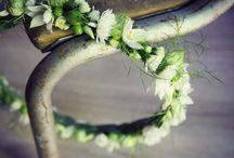 Bijoux fleuris de Lily & Co / Réalisation de bijoux fleuris sur mesure. Chaque création est unique, à chacun de choisir selon ses envies