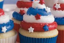4th of July / Here are some fun patriotic recipes and ideas for celebrating the 4th of July. Make Independence Day memorable with lots of red, white and blue!