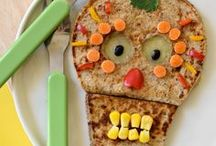 KIDS | FLATOUT SNACKS / Make snacking healthy AND fun with these easy snack ideas for the little ones in your life using FlatOut Bread.